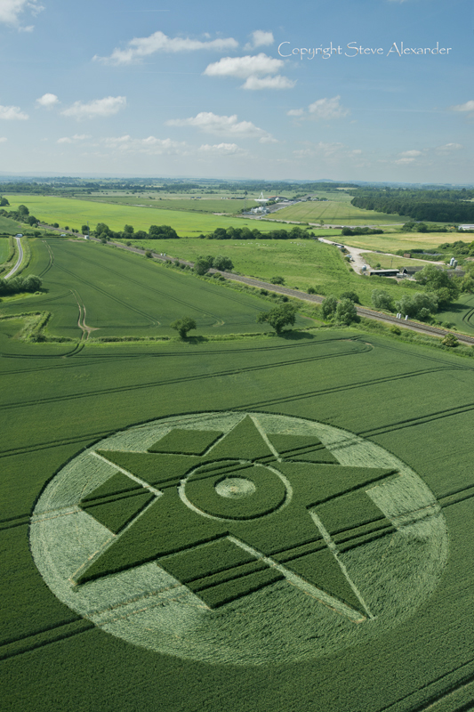 2015's Besford crop circle. Photograph by Steve Alexander.