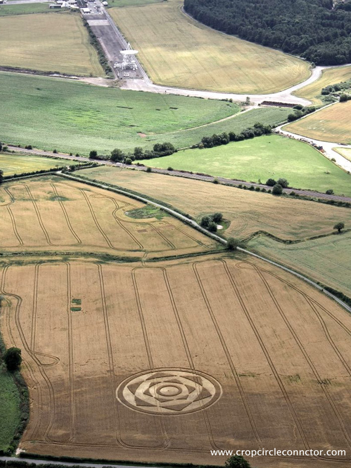 August 2013's crop circle at Besford. Photograph by the Crop Circle Connector.