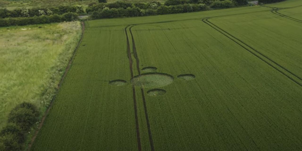 2021 Circles: Long Lane, Whiston, Nr Rotherham, South Yorkshire